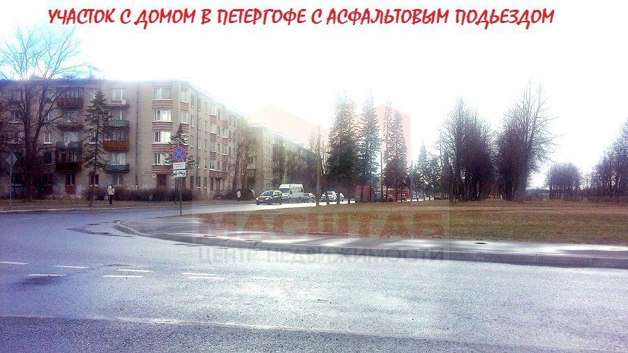 Дача на продажу по адресу Россия, Санкт-Петербург, Петергоф, Озерковая ул